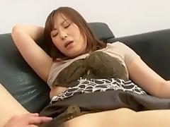 Unersättliche Jap Akane Satozaki wird gangfucked und mit Sperma geduscht