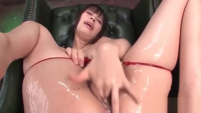 Lovely Kyouko Maki slides a dildo into her cunt