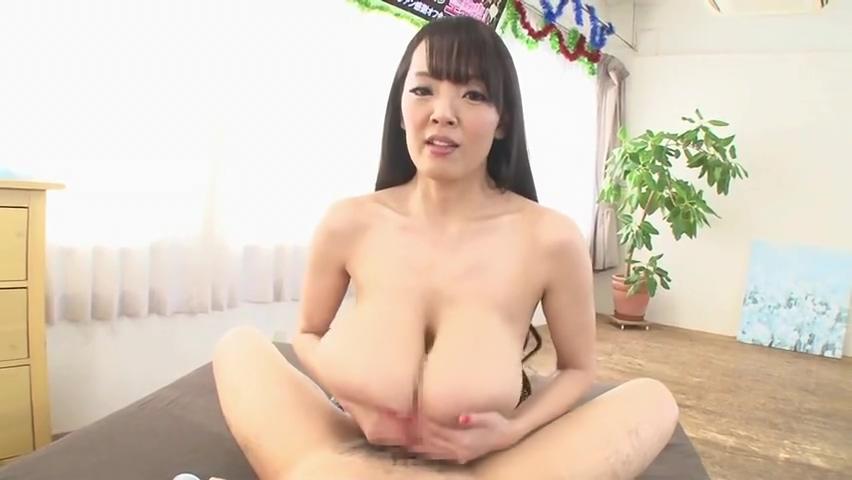 Delightful Japanese Hitomi Tanaka featuring blow job video